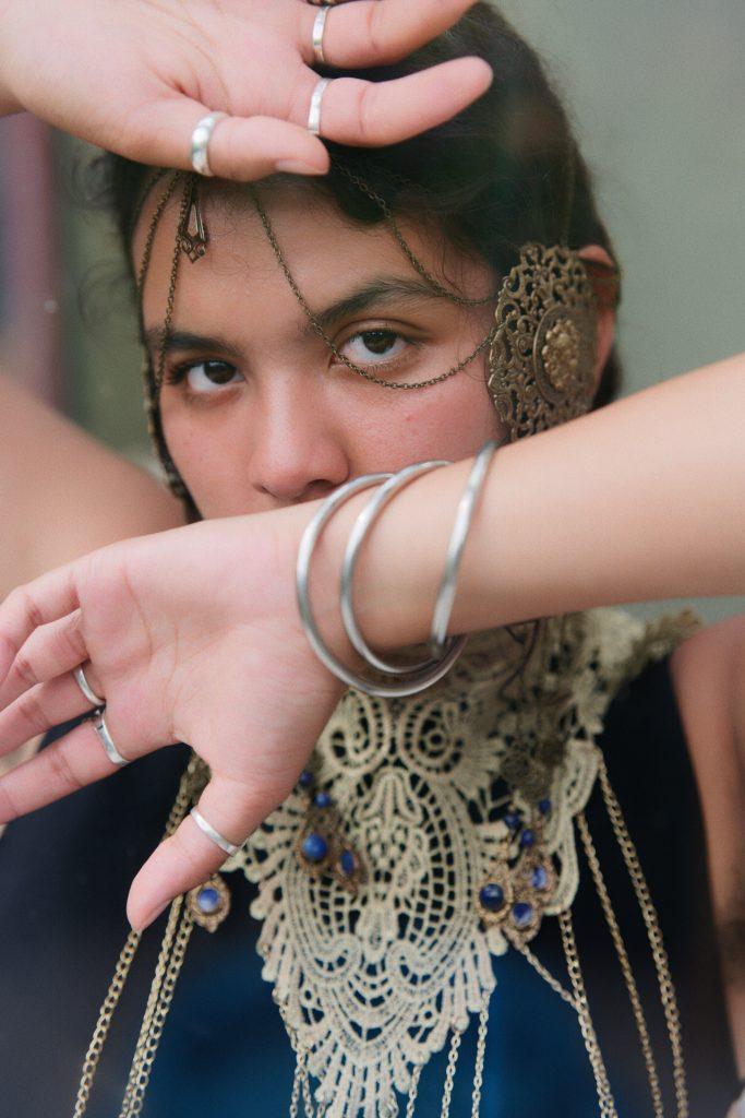 loris fae photographe val d'oise shooting bijoux de corps